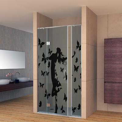 Mampara de vidrio con figura decorativa en negro
