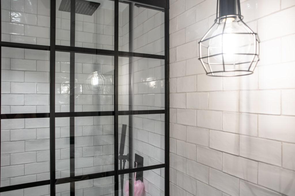 cuarto de baño con estilo industrial